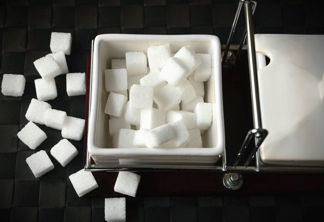 Российских ретейлеров заподозрили в попытке искусственно создать дефицит сахара