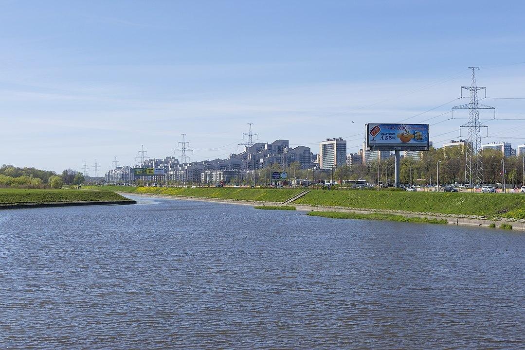 На землю в Петербурге зафиксировали ажиотажный спрос