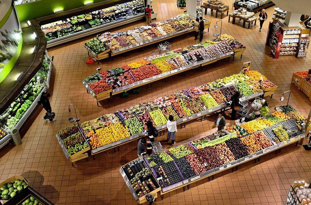 Раскрыты ежемесячные траты россиян на продукты