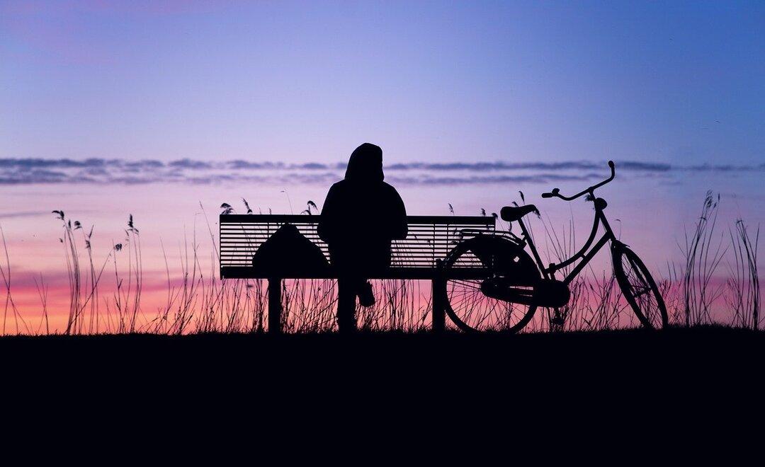 Россияне с зарплатой выше 80 тысяч рублей реже остальных боятся одиночества