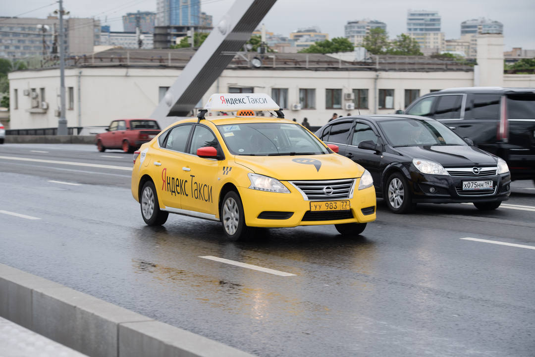 На Яндекс.Такси пожаловались в Генпрокуратуру из-за покупки Везёт