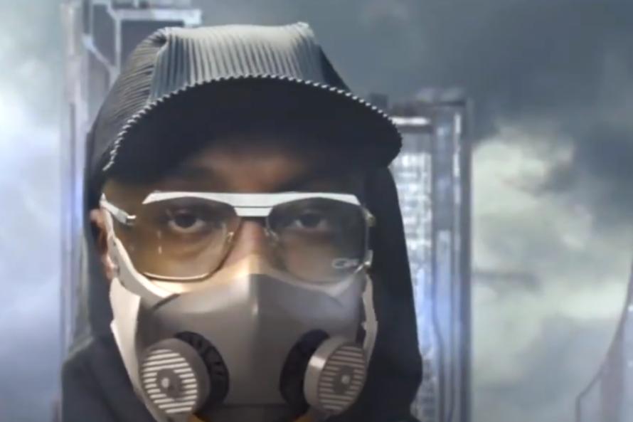 Рэпер выпустил защитную маску за $299. Её можно подключить к смартфону