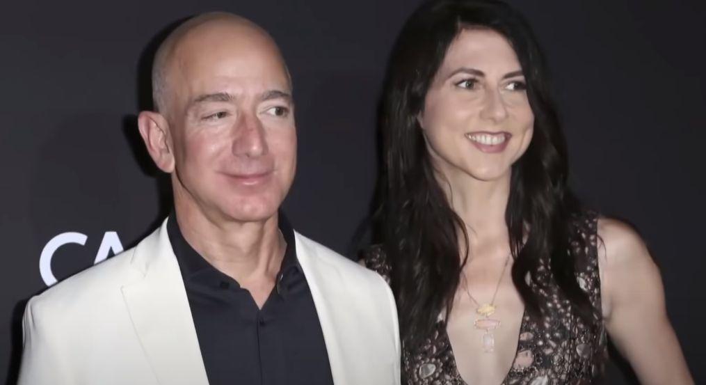 Бывшая жена Джеффа Безоса отдала колледжу $8 млн