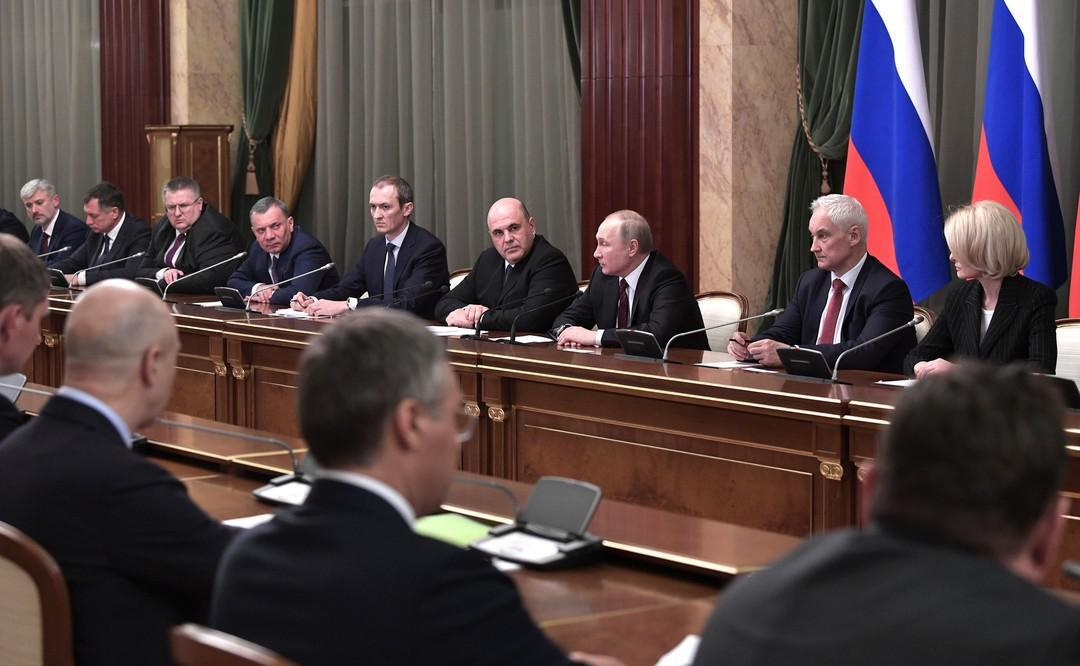 Депутаты-миллиардеры и самые богатые министры. Раскрыты доходы российских чиновников за 2020 год