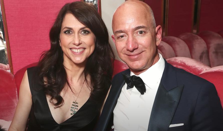 Мошенники похищали деньги, представляясь бывшей женой богатейшего человека планеты
