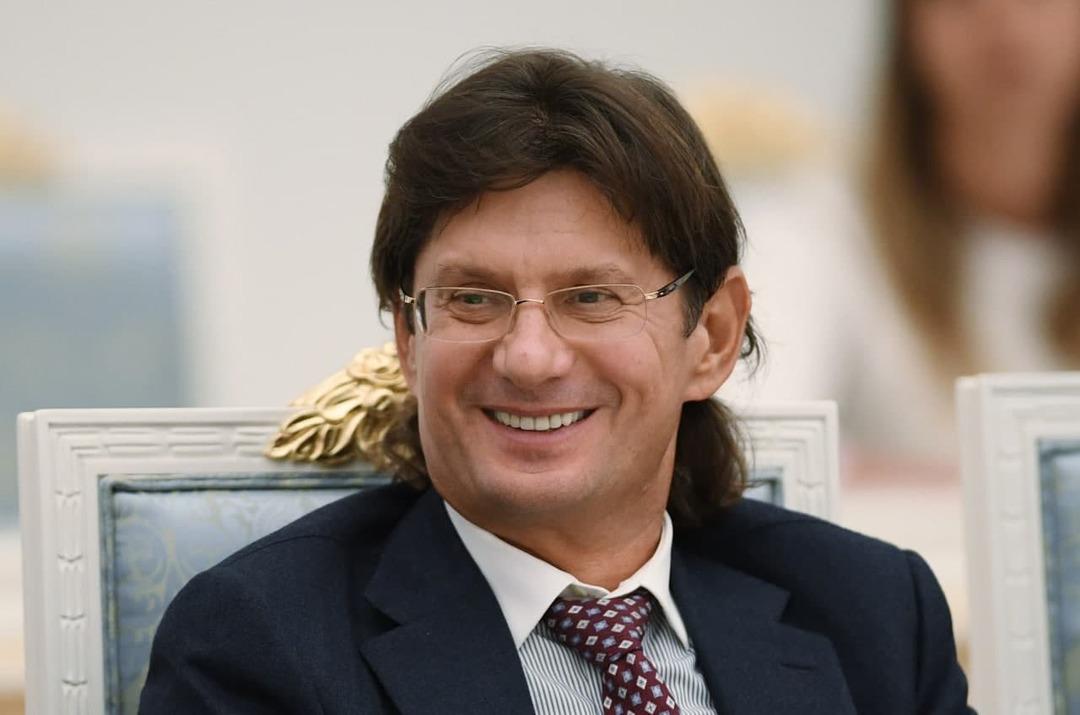 Миллиардер Федун посоветовал россиянам, куда вложить 1 млн рублей