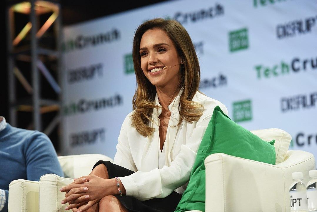 Компания Джессики Альбы собралась на IPO с оценкой $1,5 млрд