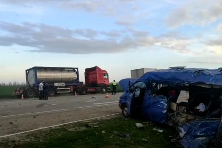 Семьям погибших в ДТП на Ставрополье детей выплатят по 1 млн рублей