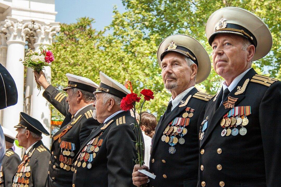 Выплаты ветеранам ко Дню Победы в России оказались меньше казахстанских и узбекистанских
