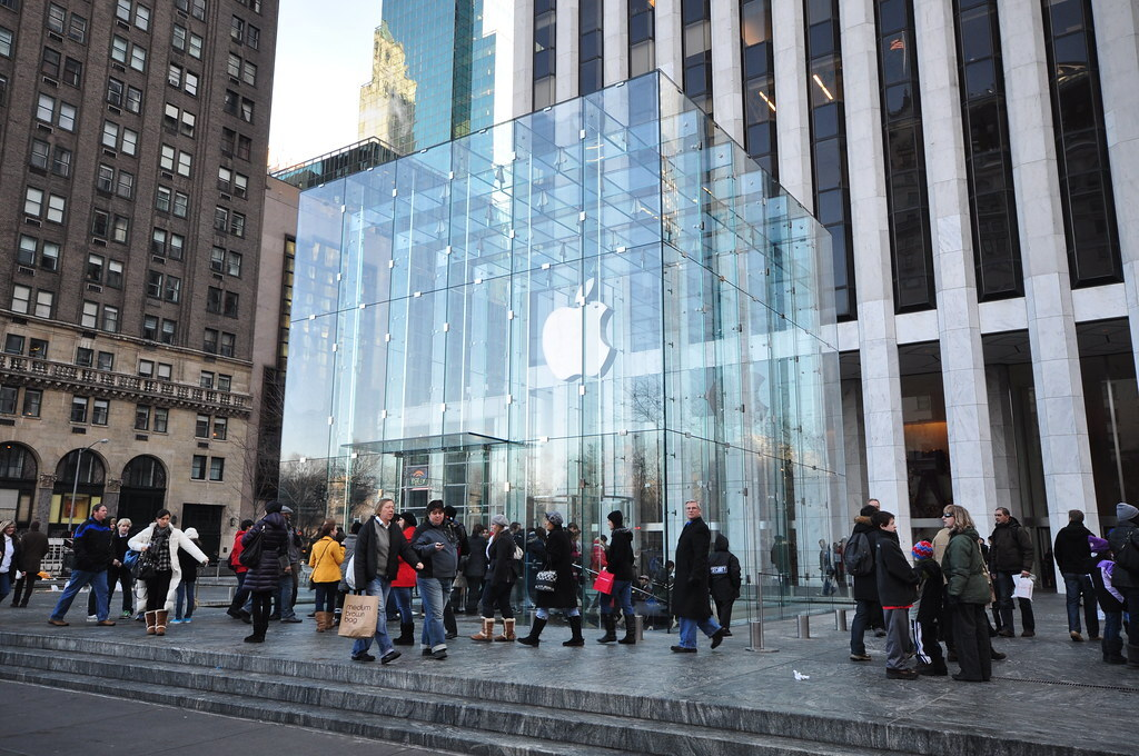 Apple, Google и Amazon объединились ради просьбы к властям США