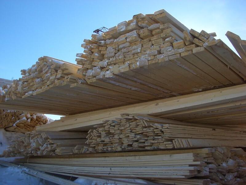 В России иссякают запасы пиломатериалов для строительства домов