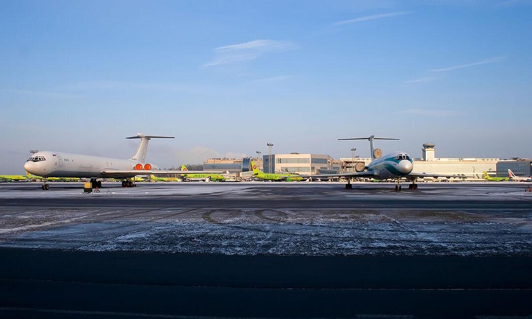 Расходы авиакомпаний из-за подорожания керосина оценили в 70 млрд рублей