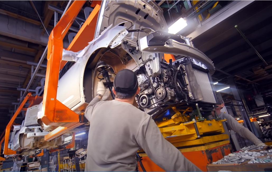 Нехватка импортных комплектующих вынудила АвтоВАЗ остановить производство