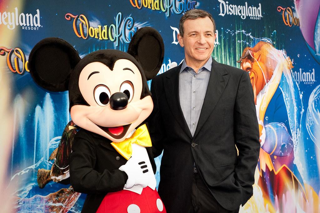 Глава совета директоров Disney продал половину своих акций компании почти за $100 млн