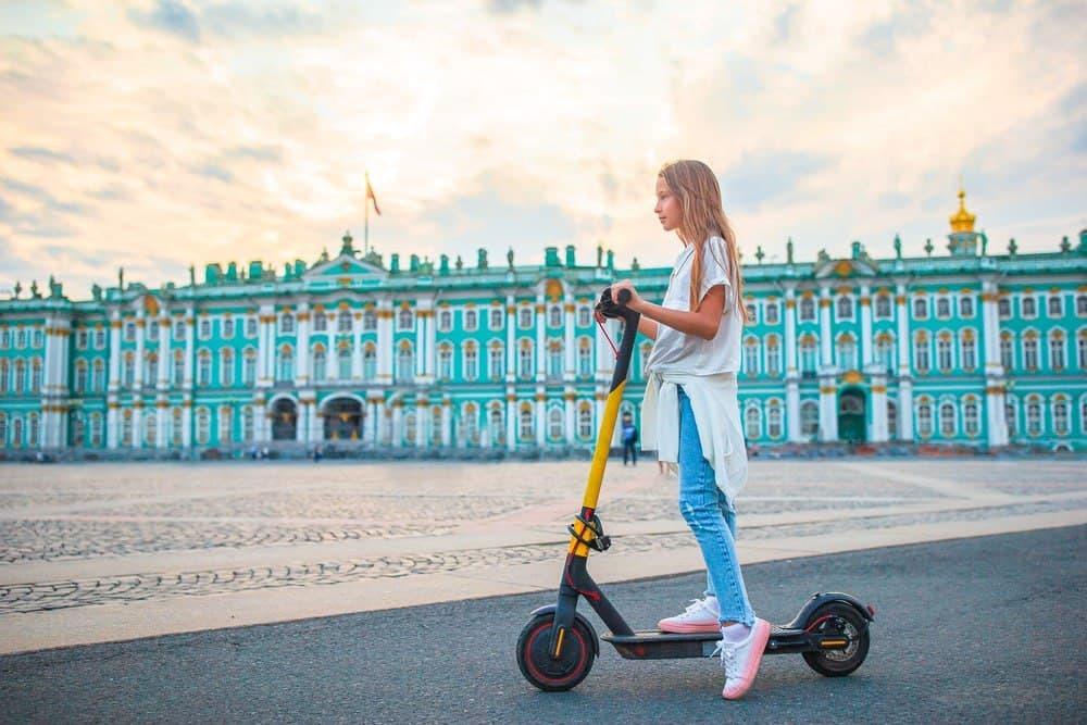 В Петербурге на фоне уголовных дел исчезли электросамокаты