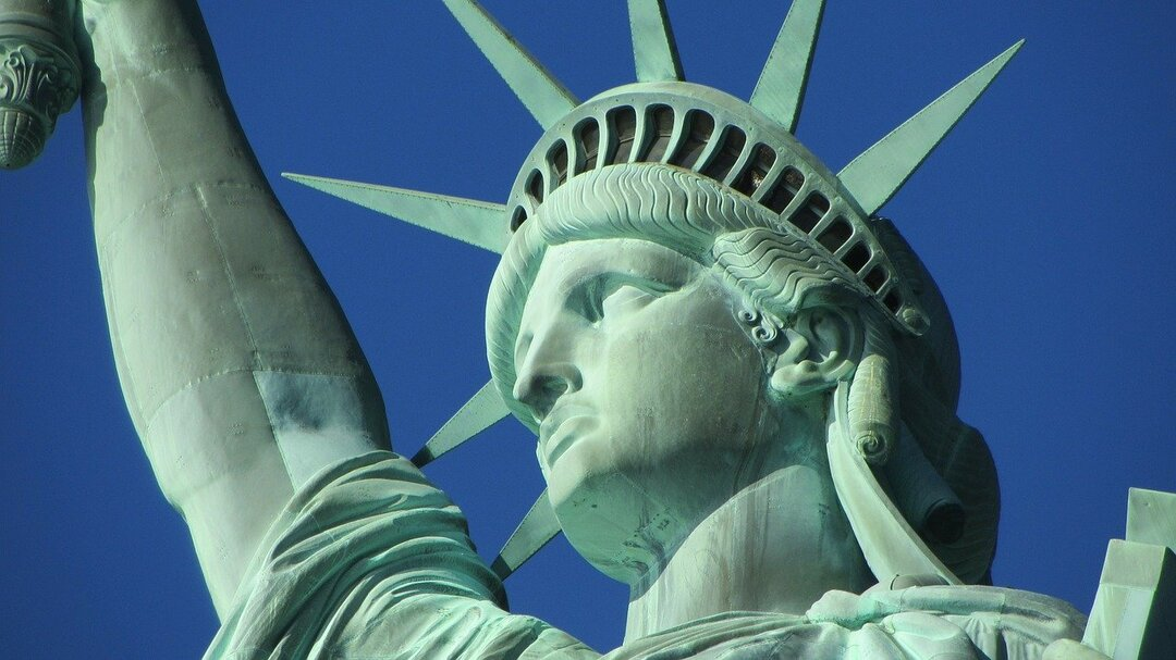 Мошенники украли у США пособия по безработице на $400 млрд