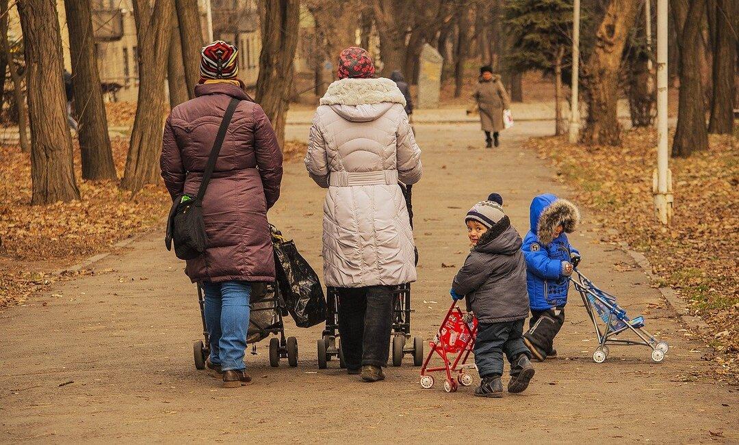 Россияне раскрыли свои траты на детей