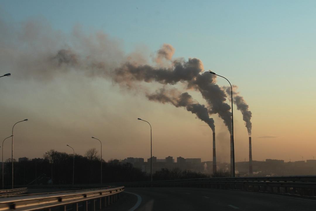 Российский бизнес решили наказывать за вредные выбросы