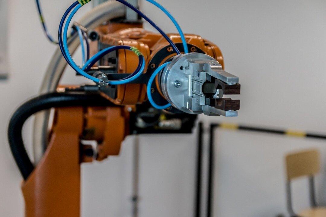 Каждый пятый россиянин боится остаться без работы из-за роботов