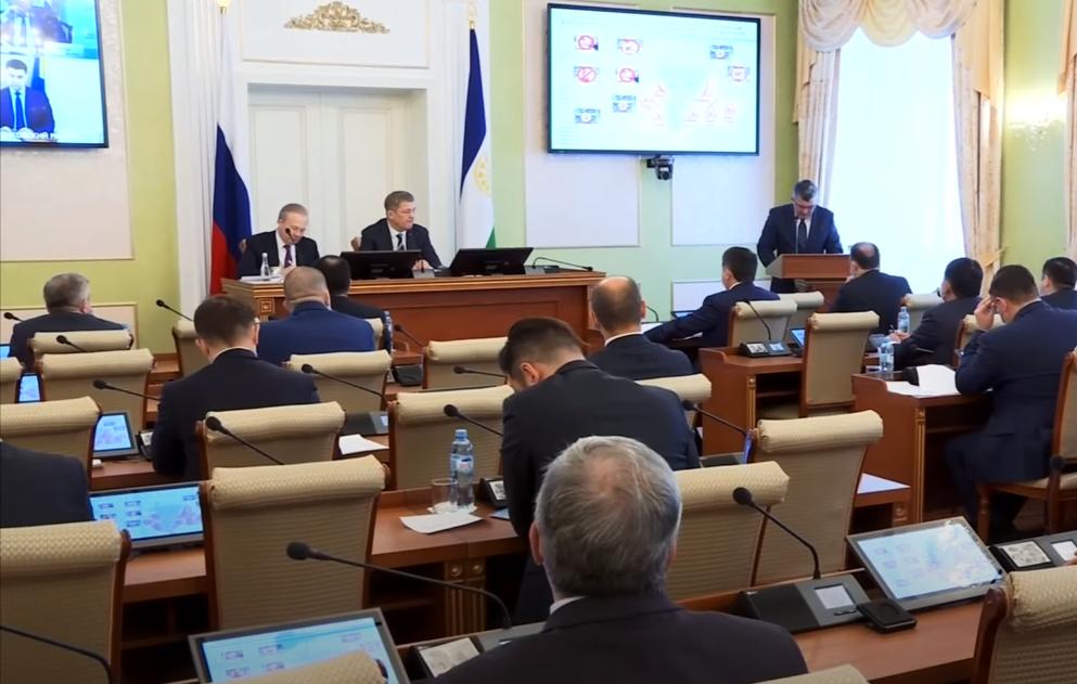 Топ-менеджеров захотели привлечь к руководству российским регионом