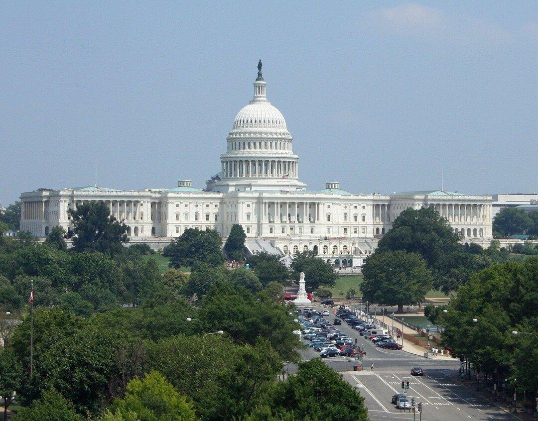 В США внесли законопроект против монополии Apple и Google