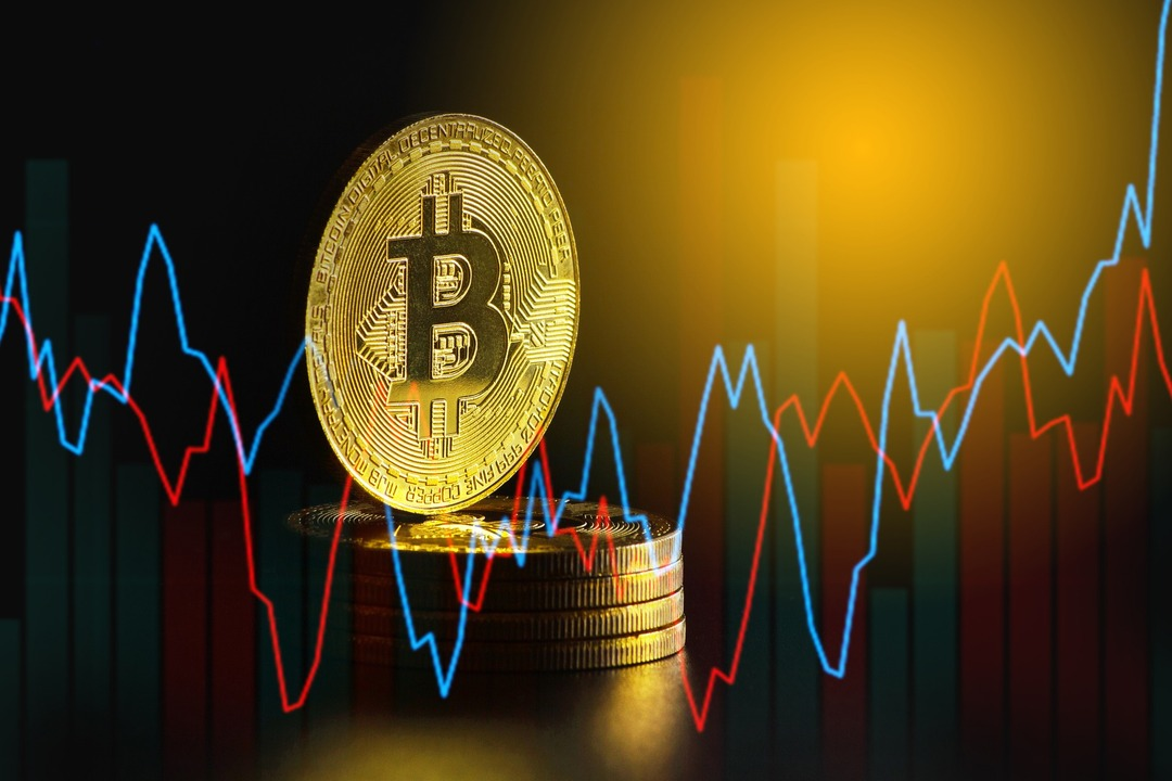 Цена на биткоин превысила $50 тысяч впервые с мая