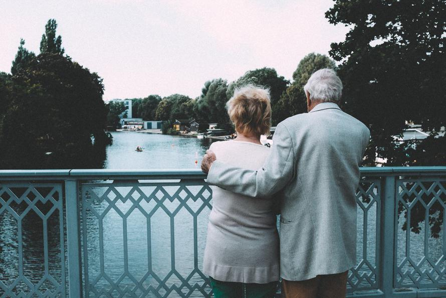 Россиянам рассказали о доплатах к пенсии за родственников