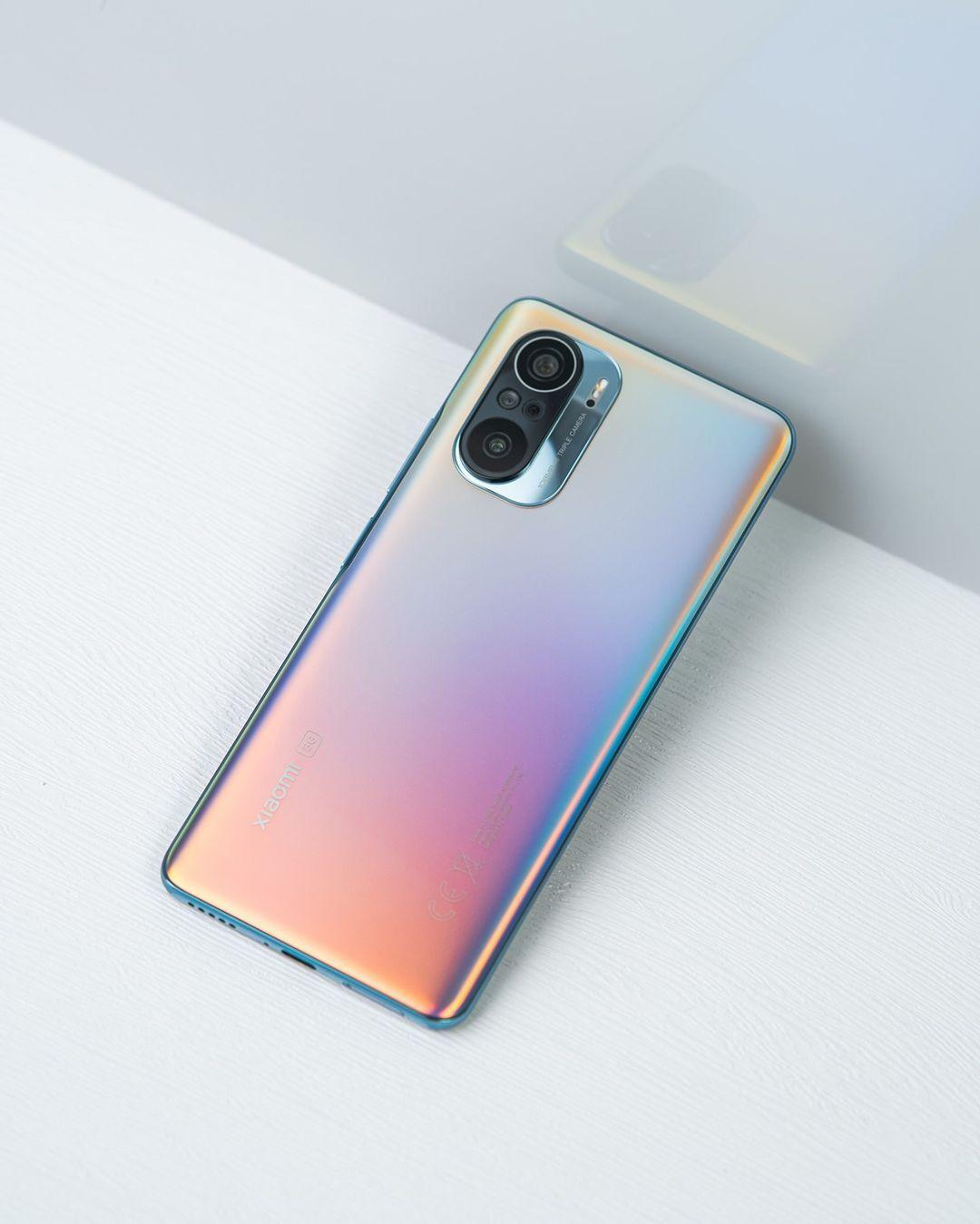 Xiaomi по ошибке снизила цену на флагманские смартфоны в восемь раз