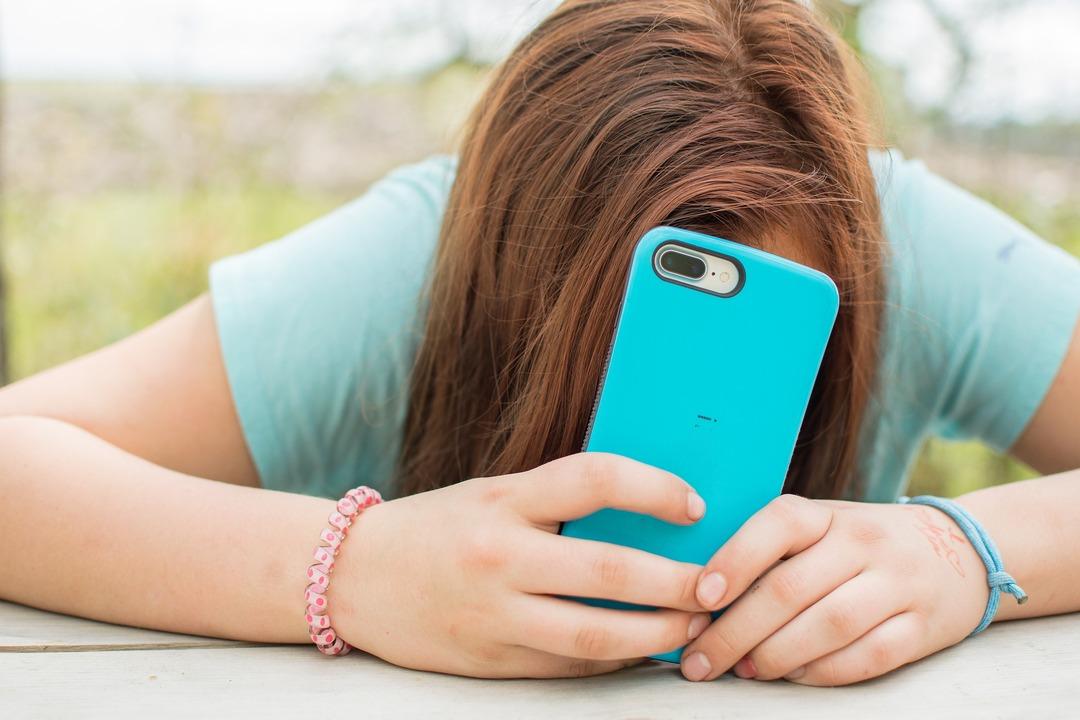 Facebook признала, что Instagram ломает психику подростков