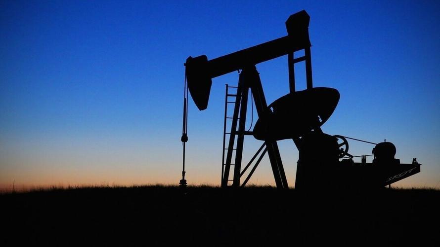 Китай распродаст купленную в пандемию нефть, чтобы снизить цены