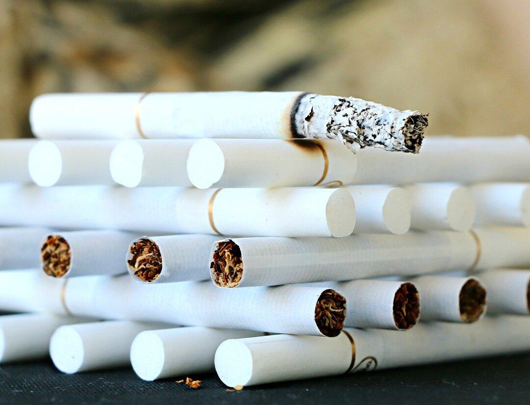 Ростовских таможенников задержали за контрабанду сигарет на 100 млн рублей