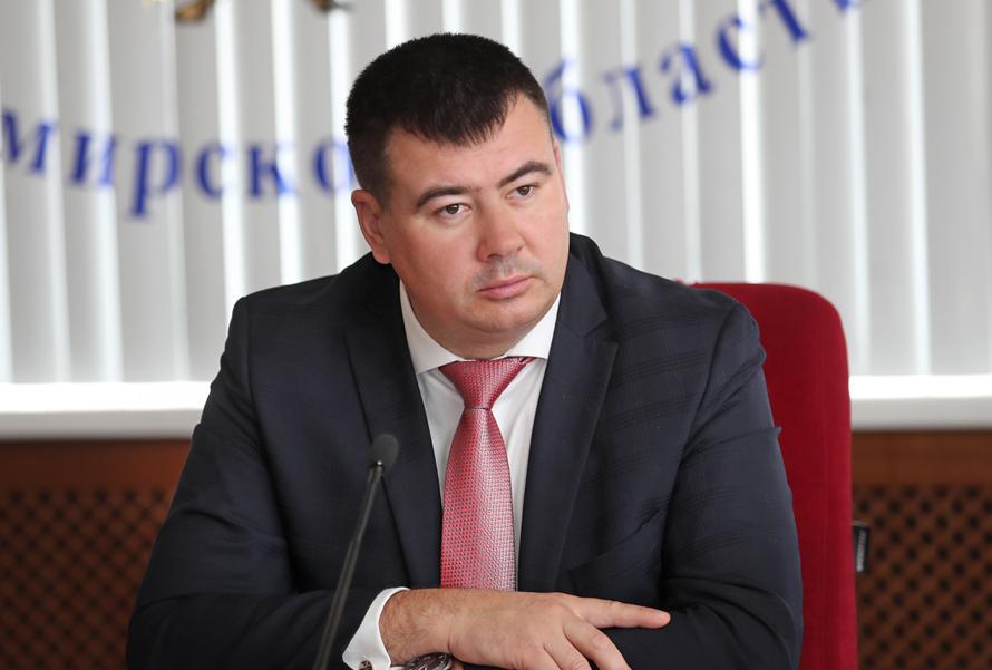 Уволенный из-за налоговой декларации замгубернатора вернул себе должность через суд